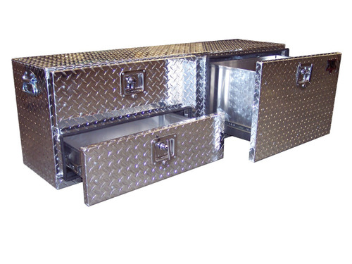 Diamond Plate 3-Drawer Tonneau Cover Tailgate Toolbox was designed with veterinarians, cattle ranchers & farriers in mind to keep gear & supplies easily accessible at the tailgate of a pickup.
