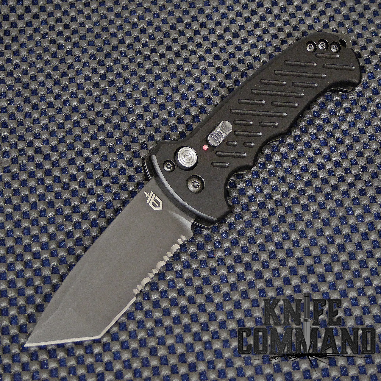 gerber 06 Auto Tanto Blade Automatic Knife Serr 30-000850.  Tanto blade with serrations.