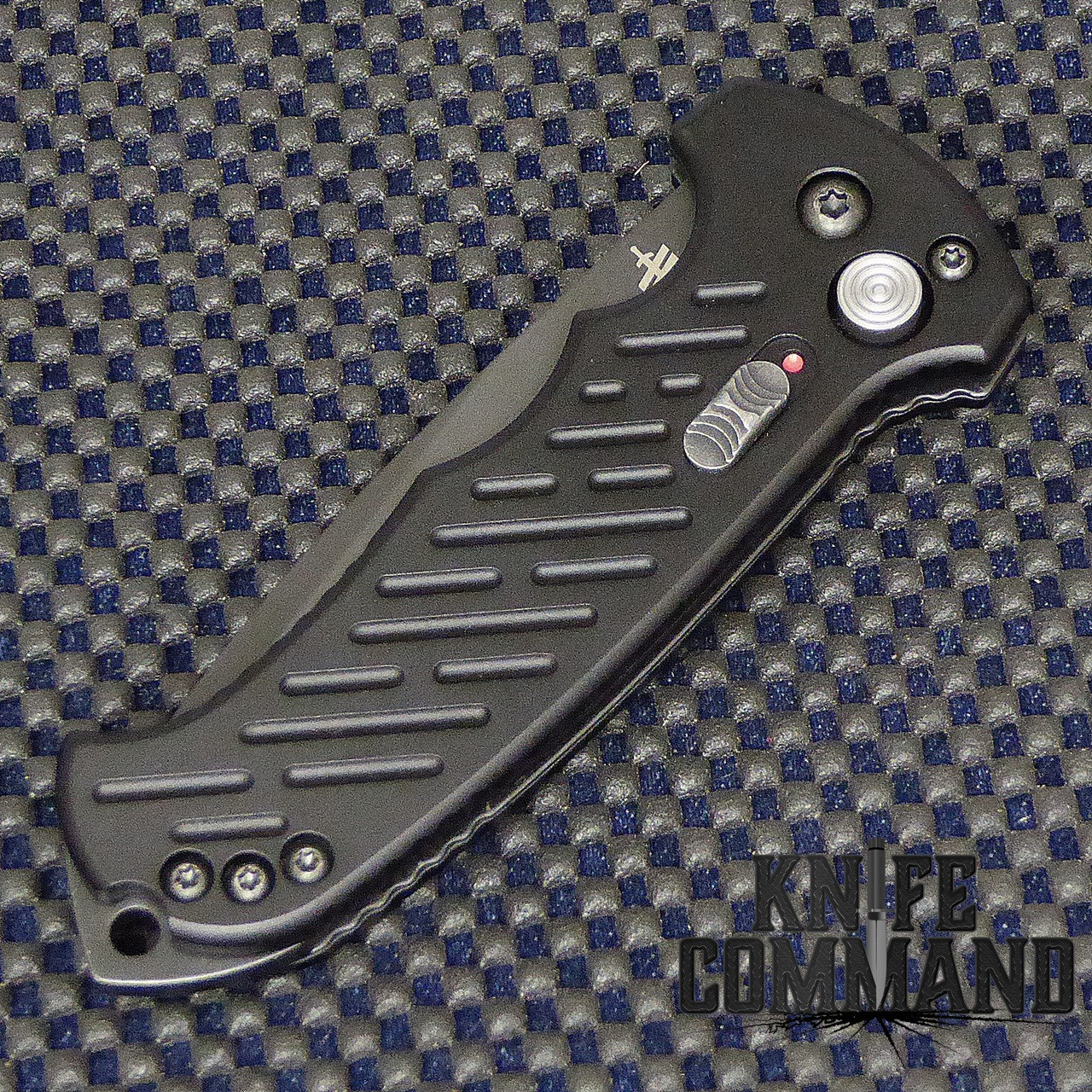 Gerber 06 Auto Tanto Blade Automatic Knife Plain Edge 30-001297.  Safety lock open and closed.