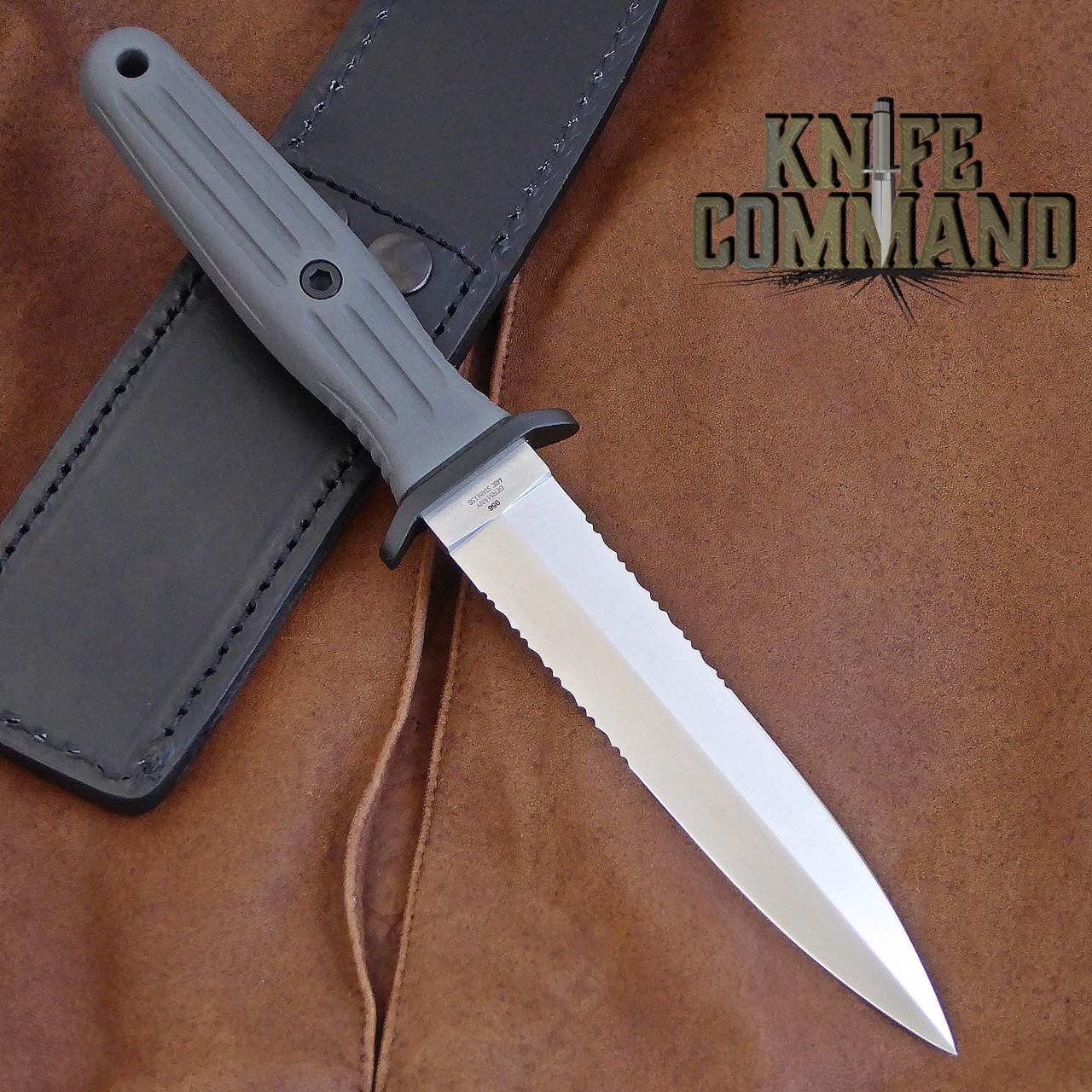 "BOKER APPLEGATE FAIRBAIRN ""VINTAGE"" FIXED BLADE KNIFE 123543.  Grey handle, black guard, double edged."