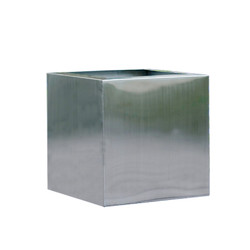 "Stainless Steel Cube - 18""SQ"