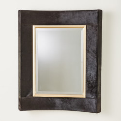 Curved Short Mirror - Black Hair - On - Hide