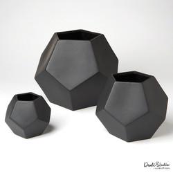 Faceted Vase - Matte Black - Med