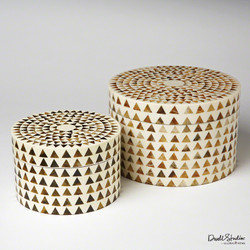 Triangle Stripe Box - Round - Lg