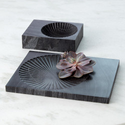 Global Views Carved Marble Plateau - Black - Thick