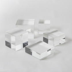 Global Views Crystal Cube Riser - Sm
