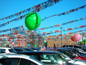 car lot balloons