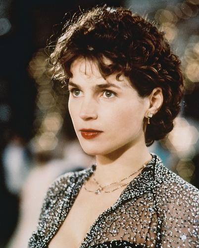 This is an image of 219621 Julia Ormond Photograph & Poster