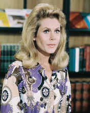 This is an image of 221714 Elizabeth Montgomery Photograph & Poster
