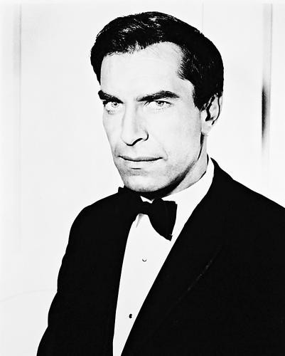 This is an image of 168321 Martin Landau Photograph & Poster