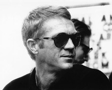 This is an image of 175116 Steve McQueen Photograph & Poster