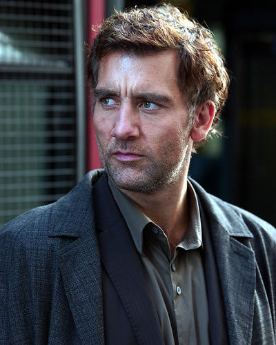 This is an image of 273228 Clive Owen Photograph & Poster
