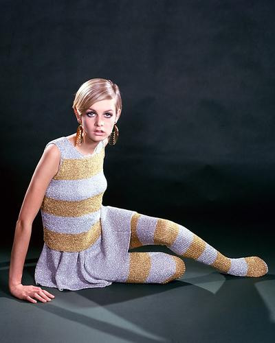 This is an image of 276069 Twiggy Photograph & Poster