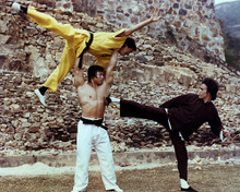 This is an image of Photograph & Poster of Bruce Lee 284624