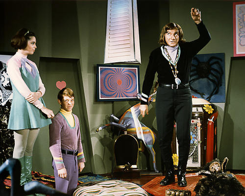 This is an image of Photograph & Poster of Lost in Space 284625