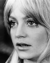 This is an image of Photograph & Poster of Goldie Hawn 195149
