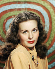 This is an image of Photograph & Poster of Jeanne Crain 285127