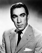 This is an image of Photograph & Poster of Anthony Quinn 195508