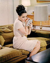 This is an image of Photograph & Poster of Elizabeth Taylor 285349