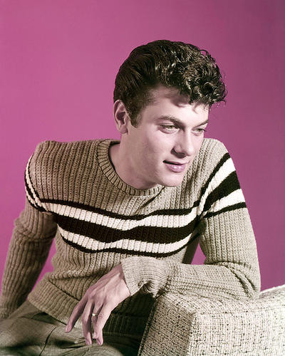 This is an image of Photograph & Poster of Tony Curtis 291421