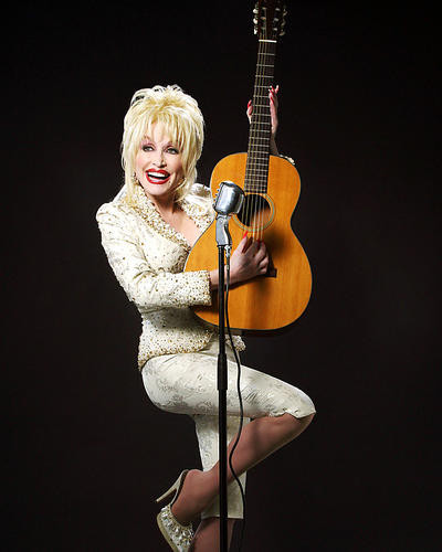 This is an image of Photograph & Poster of Dolly Parton 291742