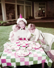 This is an image of Photograph & Poster of Jeanne Crain 293032
