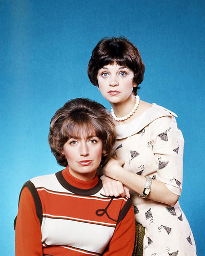 This is an image of Photograph & Poster of Laverne and Shirley 293348