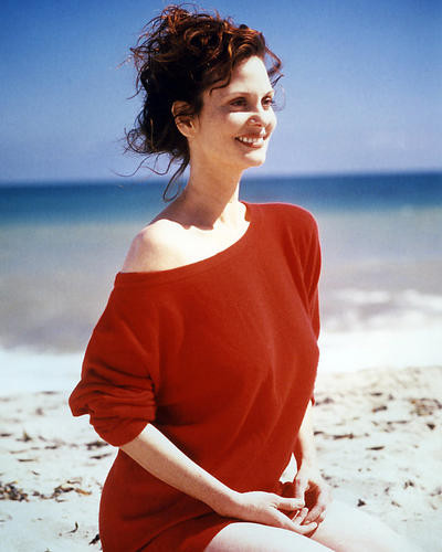 This is an image of Photograph & Poster of Lesley Ann Warren 293571