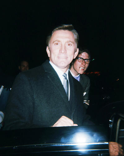 This is an image of Photograph & Poster of Kirk Douglas 293615