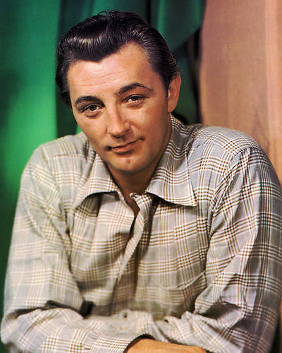 This is an image of Photograph & Poster of Robert Mitchum 294318