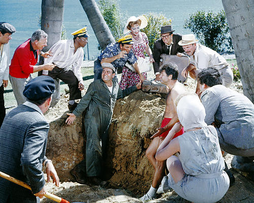 This is an image of Photograph & Poster of Its a Mad Mad Mad Mad World 294495