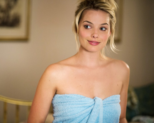 This is an image of Photograph & Poster of Margot Robbie 295506