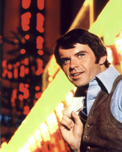 This is an image of Photograph & Poster of Robert Urich 296337