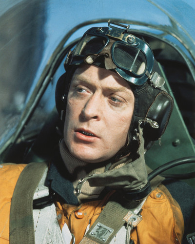 This is an image of Photograph & Poster of Michael Caine 297144