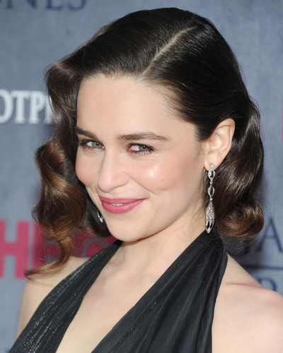This is an image of Photograph & Poster of Emilia Clarke 297414