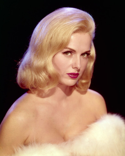 This is an image of Premium Photograph & Poster of Martha Hyer 297768