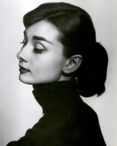 This is an image of Photograph & Poster of Audrey Hepburn 298125