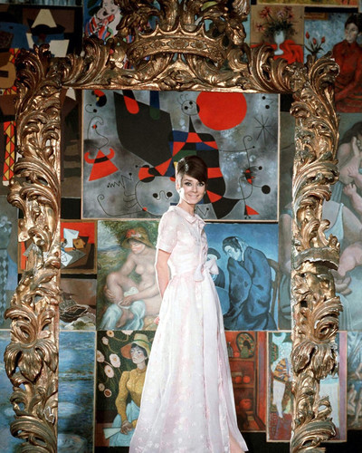 This is an image of Photograph & Poster of Audrey Hepburn 298144