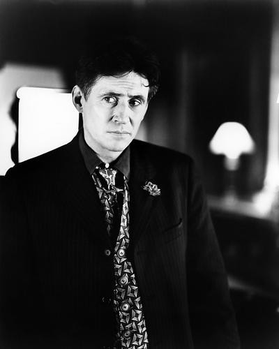 This is an image of Photograph & Poster of Gabriel Byrne 195960