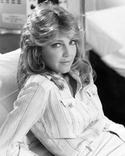 This is an image of Photograph & Poster of Heather Locklear 196077
