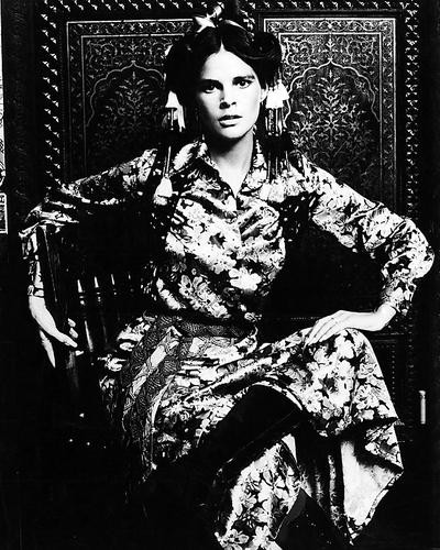 This is an image of Photograph & Poster of Ali Macgraw 196128