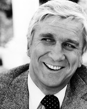 This is an image of Photograph & Poster of Leslie Nielsen 196406
