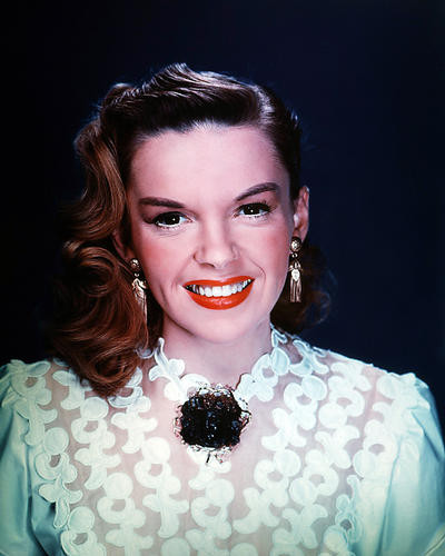 This is an image of Photograph & Poster of Judy Garland 287135