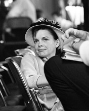 This is an image of Photograph & Poster of Judy Garland 196525