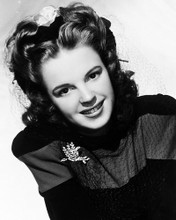 This is an image of Photograph & Poster of Judy Garland 196530