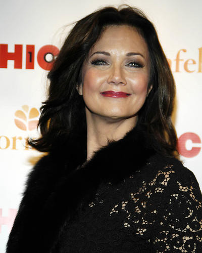 This is an image of Photograph & Poster of Lynda Carter 287203