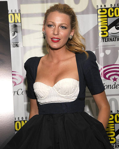 This is an image of Photograph & Poster of Blake Lively 287339
