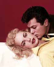 This is an image of Photograph & Poster of Tony Curtis and Janet Leigh 287277