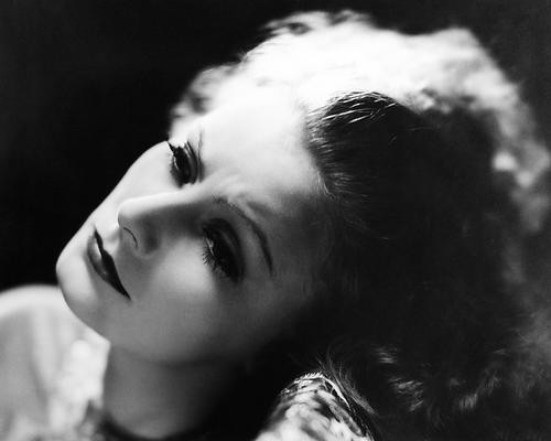 This is an image of Photograph & Poster of Greta Garbo 196654