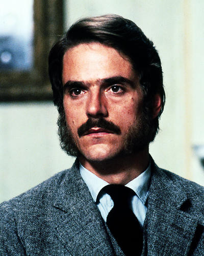 This is an image of Photograph & Poster of Jeremy Irons 287460